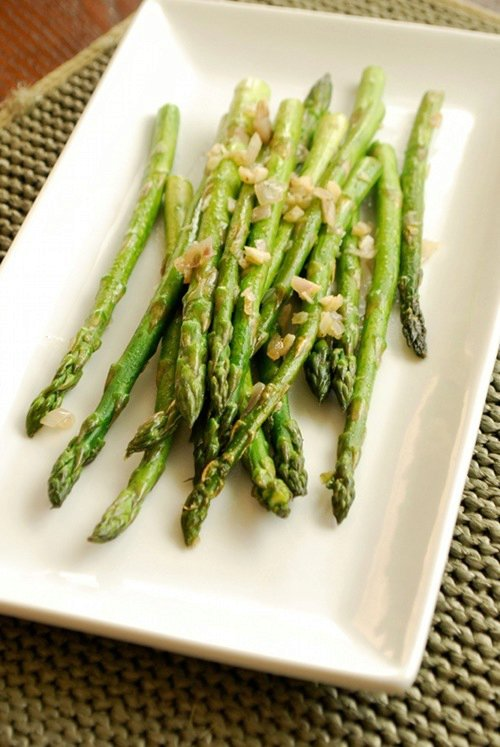 Sautéed Asparagus with Garlic and Shallots
