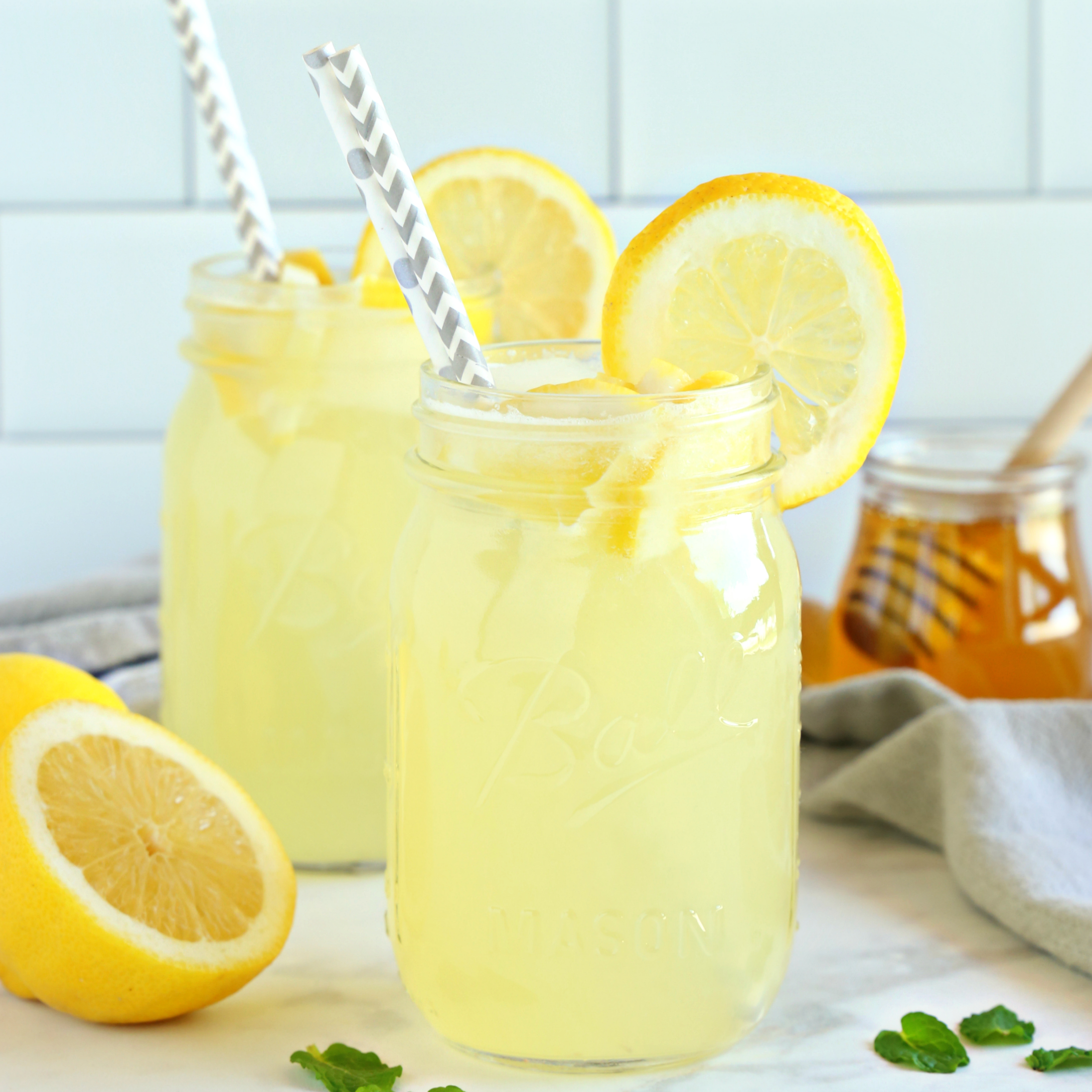 Healthy 3-Ingredient Lemonade